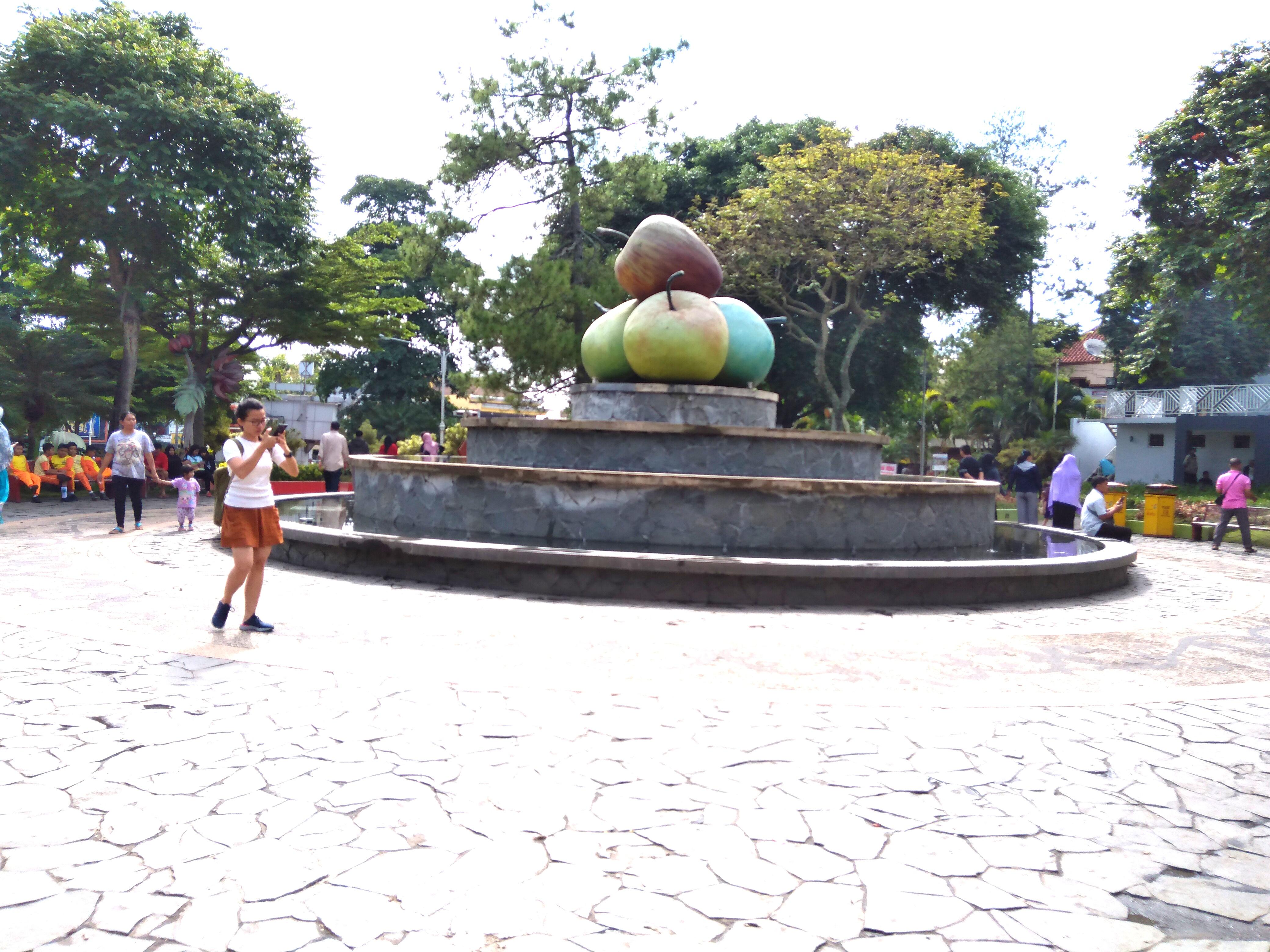alun-alun kota batu